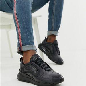 Nike Airmax 720 Women's Triple Black